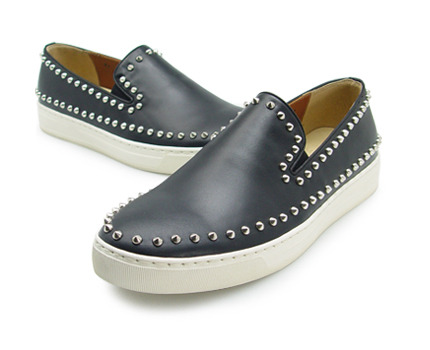 URBAN TREKKER Black Silver Stud Slip-On  (4RX 5339 CBS)