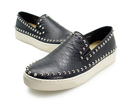 URBAN TREKKER  Black Silver Stud Slip-On (4RX 5339 CSS)